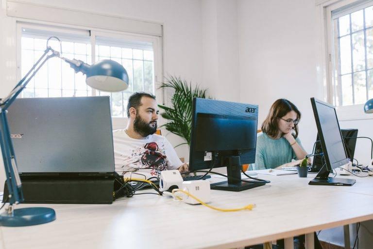 Coworkers en la oficina